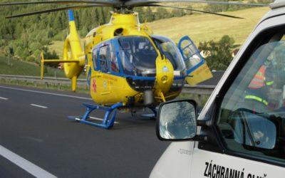 Při nehodě motocyklu v Lichnově se vážně zranili dva lidé