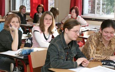 Tři čtvrtiny žáků úspěšně složí maturitní zkoušku