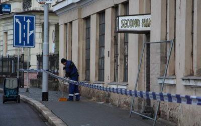 Po požáru textilky v Krnově se uklízí areál a zajišťují objekty