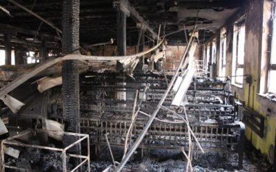 Příčinou požáru bývalé textilky v Krnově je údajné žhářství