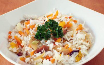 Salát se zrnky rýže