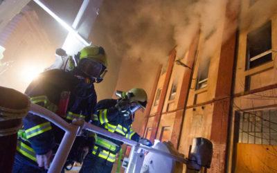 Policisté uzavřeli vyšetřování požáru Karnoly, objekt zapálily dvě děti