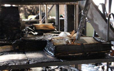 Vzorníky látek z bývalé textilky v Krnově půjdou zmrazit, ochrání se před plísní