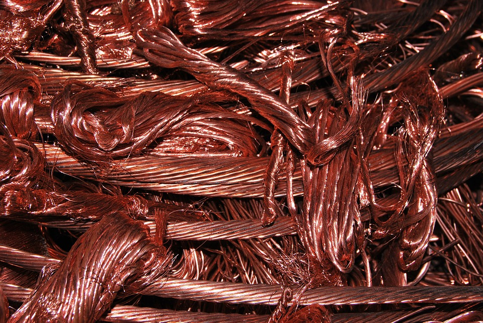 Sběrači kovů se vzájemně osočovali z krádeže nasbírané mědi a hliníku