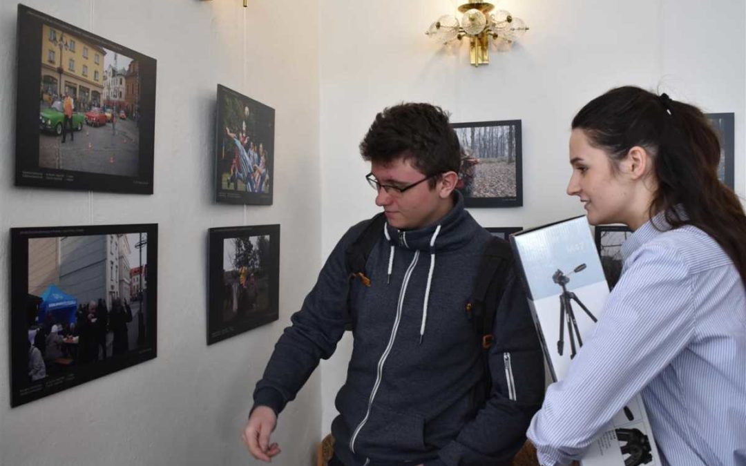 Mladé fotografy spojila česko-polská soutěž