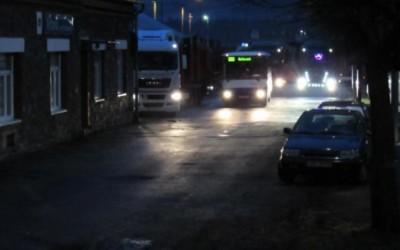 Řidiči náklaďáků si z vrbenského vlakového a autobusového nádraží udělali parkoviště