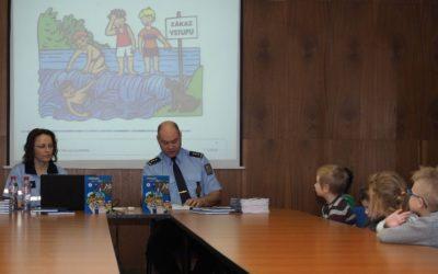 I v okrese Bruntál policisté četli dětem