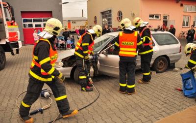 Profesionální hasiči představili svou práci, konal se Den požární bezpečnosti
