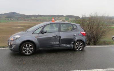 Mezi Městem Albrechtice a Krnovem se střetlo auto přívěsným vozíkem