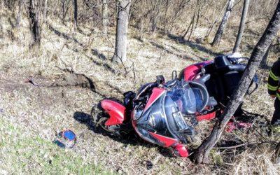 Na Bruntálsku se střetla motorka s autem, zraněného motorkáře transportoval vrtulník