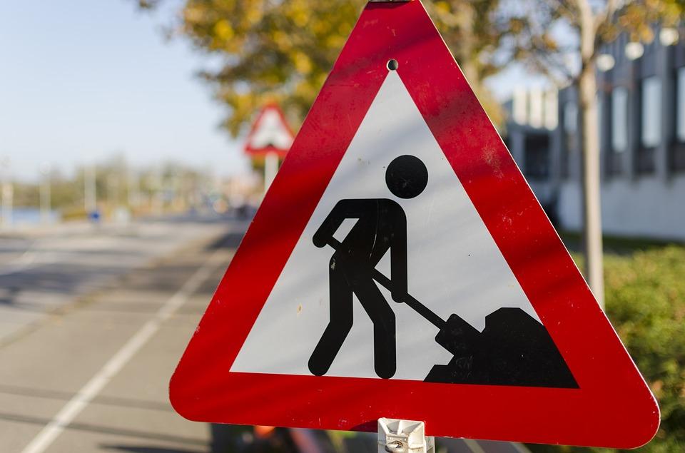 Řidiče čeká dopravní omezení v Krnově v Revoluční ulici