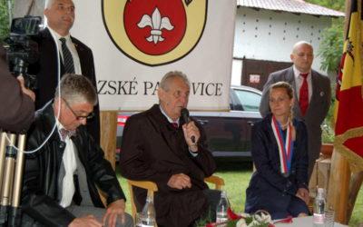 Prezident ČR Miloš Zeman přijel do Slezských Pavlovic, poděkoval občanům za podporu