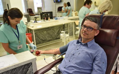 Přes čtyři desítky zaměstnanců krajského úřadu dnes darovaly krev