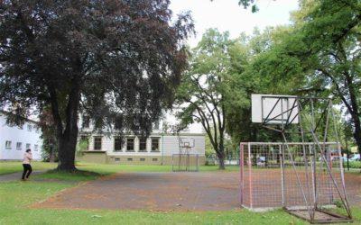 Prostor školního hřiště probádají archeologové