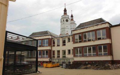 Po opravě bude provoz školy v Krnově na Smetanově okruhu úspornější
