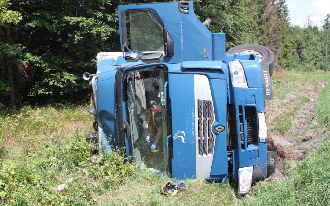 Řidič byl pod vlivem alkoholu, policistům tvrdil, že pil až po nehodě