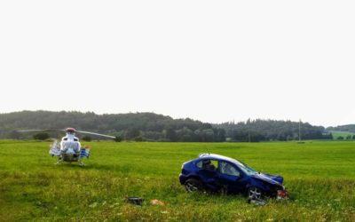Při nehodě na Osoblažsku se vážně zranil devatenáctiletý muž, transportoval ho vrtulník