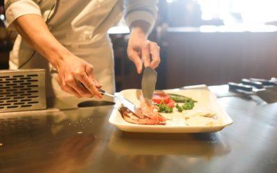 Nemocemi z potravin se můžete nakazit i od lidí