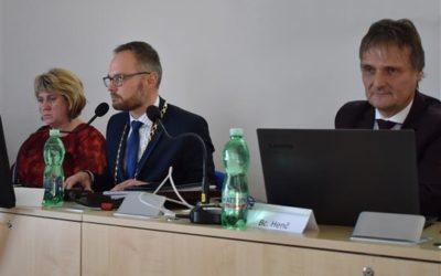Zastupitelé zvolili vedení a radu města, starostou Bruntálu je opět Petr Rys