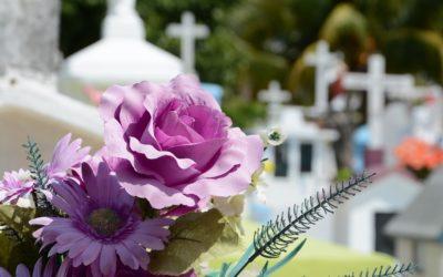 Vandalové odnesli z hrobu na městském hřbitově v Bruntále urnu s ostatky
