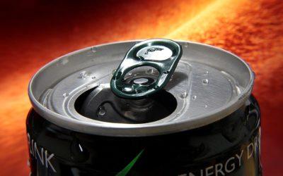 Více než polovina mládeže pije energy drinky