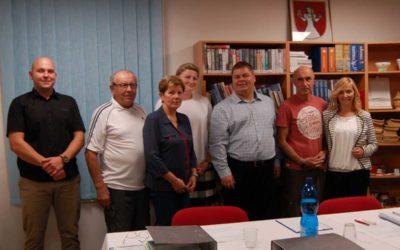 Starostou Dívčího Hradu byl zvolen Jan Bezděk, místostarostou Grigor Čaflakis