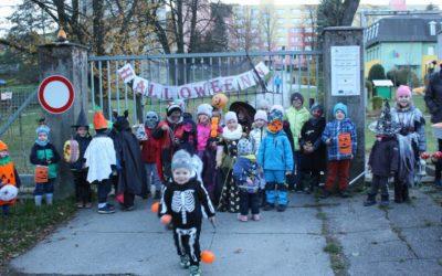 Vrbnem pod Pradědem prošel Halloweenský průvod