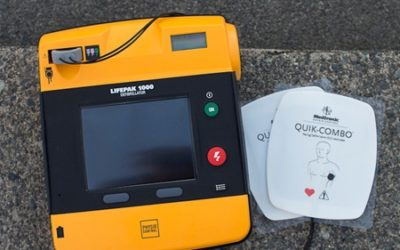 Hasiči z Vrbna pod Pradědem dostali přístroj AED k resuscitaci