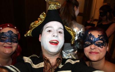 Ve Vrbně si užili 22. ples města, tentokrát v benátském stylu