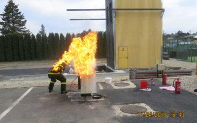 Studenti U3V se vzdělávali u profesionálních hasičů v Bruntále