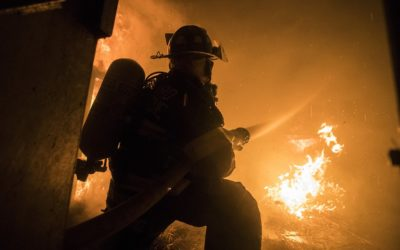 Zamykat vchod do domu je nebezpečné, varují hasiči