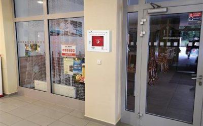 Město Bruntál nechá instalovat defibrilátory na tři místa, kde je obvyklý větší pohyb lidí