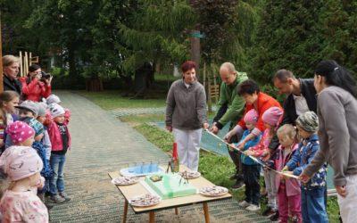 Zahrada mateřské školy na ulici 1. máje v Rýmařově byla slavnostně otevřena