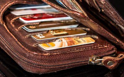 Při platbách kartou můžete mít problémy, varovala Česká národní banka