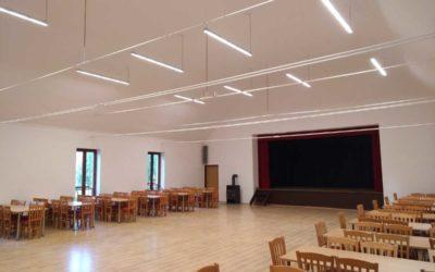 Sál kulturního domu v Dívčím Hradě má nové osvětlení