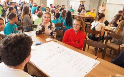 Žákovské parlamenty z celého kraje se sešly v Krnově