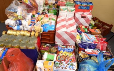 Zaměstnanci Moravskoslezského kraje sbírají potraviny pro chudé a trpící hladem