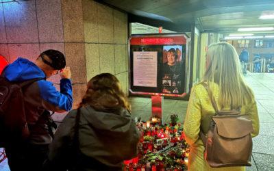 Lidé vzpomínají na herečku Vlastu Chramostovou