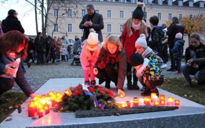 V Krnově si připomněli výročí 17. listopadu