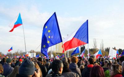 Na Letnou v Praze přišlo přes čtvrt milionů lidí, vyzvali Babiše k rezignaci