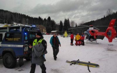 Dva vážně zraněné lyžaře v Karlově zachraňovaly dva vrtulníky z Ostravy a Olomouce
