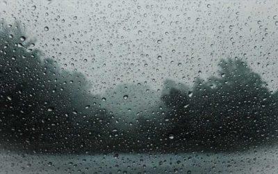 Česko zasáhne silná vichřice, místy až orkán. Může přinést problémy v energetice a dopravě