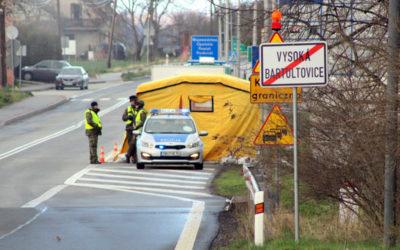 Podívejte se na hranice! Ve Vysoké kontrolují mezinárodní tranzit, ve Slezských Rudolticích jsou zátarasy