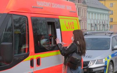 Hasiči opět zajišťují převoz českých občanů domů, cestující rozvezl autobus i do Krnova