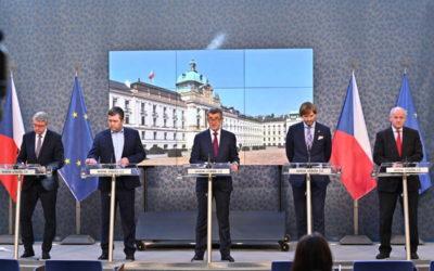Vláda zakázala volný pohyb osob po celé České republice