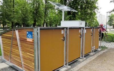 Cyklistům v Krnově ochrání kola bikeboxy
