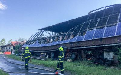 Na dvacet milionů korun odhadl vyšetřovatel předběžnou škodu po požáru v Rusíně