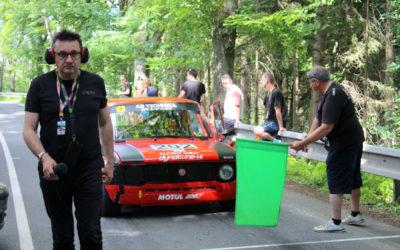 Podívejte se na video! Na Vrbensku startují mezinárodní závody automobilů do vrchu