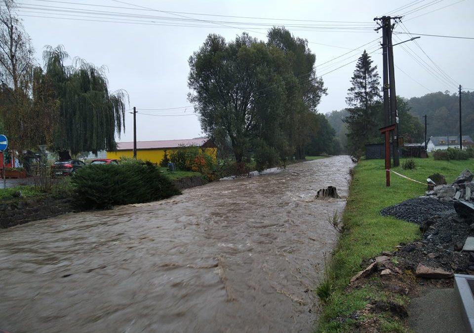 Řeka Osoblaha v Dívčím Hradě dosáhla druhého povodňového stupně