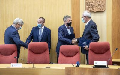 Koaliční smlouva podepsána! Kraj povede ANO, ODS s TOP 09, KDU-ČSL a ČSSD